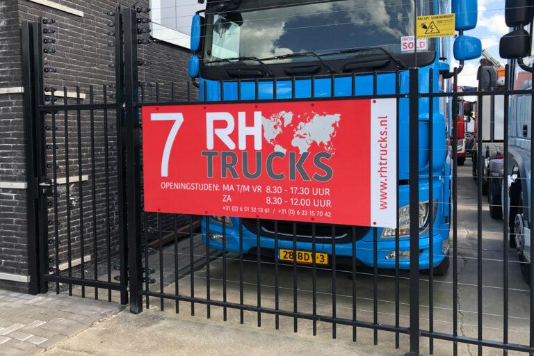RH Trucks bord huisnummer